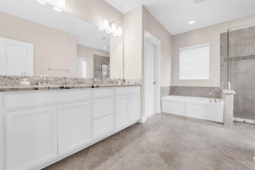 1569-Resolute-St--Kissimmee--FL-34747---19---Master-Bathroom.jpg