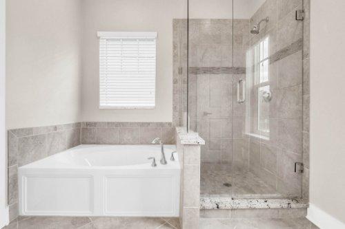 1569-Resolute-St--Kissimmee--FL-34747---20---Master-Bathroom.jpg