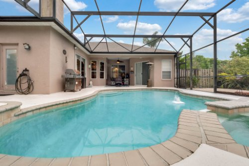 1077-Winding-Waters-Cir--Winter-Springs--FL-32708---05---Pool---Patio.jpg