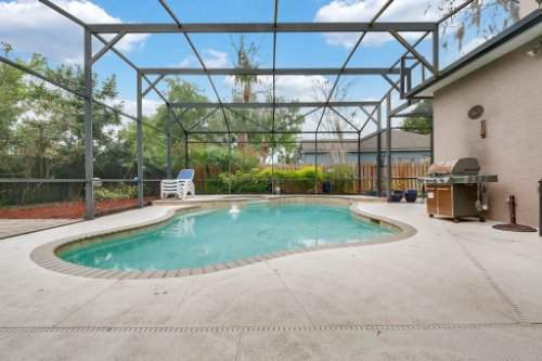 1077-Winding-Waters-Cir--Winter-Springs--FL-32708---07---Pool---Patio.jpg