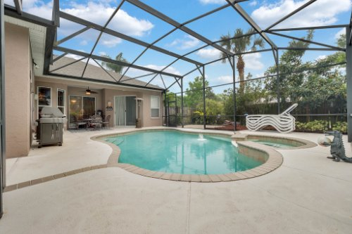 1077-Winding-Waters-Cir--Winter-Springs--FL-32708---08---Pool---Patio.jpg