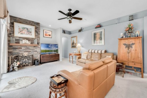 1077-Winding-Waters-Cir--Winter-Springs--FL-32708---16---Family-Room.jpg
