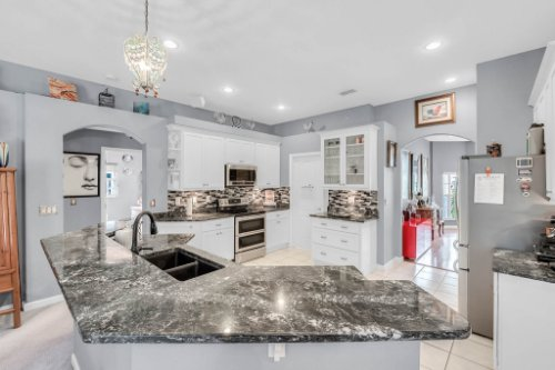 1077-Winding-Waters-Cir--Winter-Springs--FL-32708---19---Kitchen.jpg
