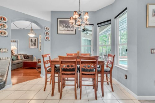 1077-Winding-Waters-Cir--Winter-Springs--FL-32708---24---Breakfast-Nook.jpg