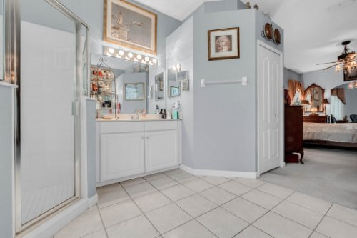 1077-Winding-Waters-Cir--Winter-Springs--FL-32708---32---Master-Bathroom.jpg
