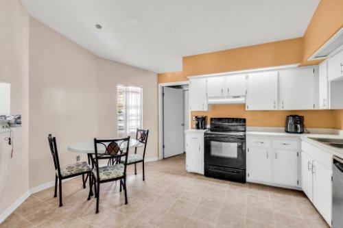 5267-Crisfield-Ct--Orlando--FL-32808---14---Kitchen.jpg
