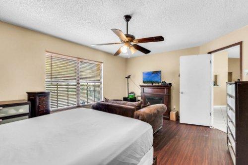 5267-Crisfield-Ct--Orlando--FL-32808---20---Master-Bedroom.jpg