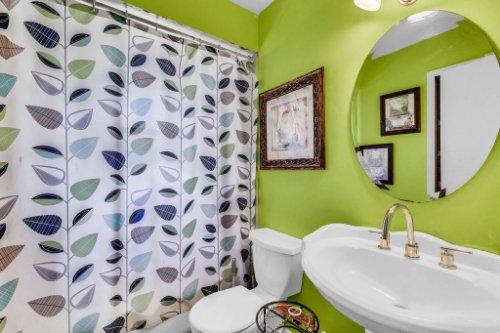 5267-Crisfield-Ct--Orlando--FL-32808---25---Bathroom.jpg