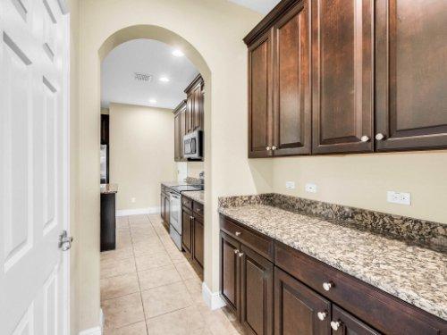 712-Cristaldi-Way--Longwood--FL-32779---17---Kitchen.jpg