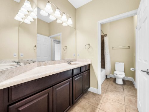 712-Cristaldi-Way--Longwood--FL-32779---25---Bathroom.jpg