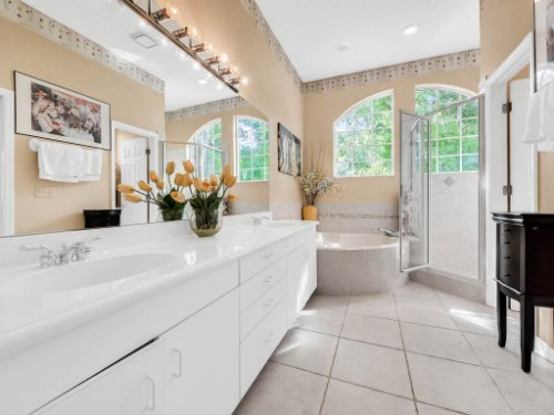 1284-Glencrest-Dr--Lake-Mary--FL-32746----32---Master-Bathroom.jpg