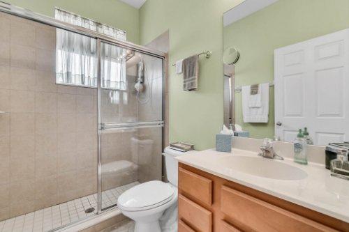 124-Alexandria-Pl-Dr--Apopka--FL-32712----30---Bathroom.jpg