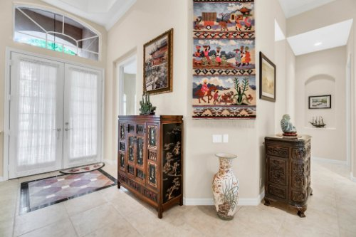 5284-Shoreline-Cir--Sanford--FL-32771----02---Foyer.jpg
