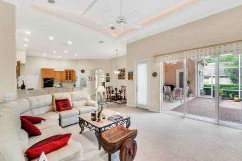 5284-Shoreline-Cir--Sanford--FL-32771----14---Family-Room.jpg
