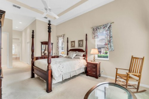 5284-Shoreline-Cir--Sanford--FL-32771----25---Master-Bedroom.jpg