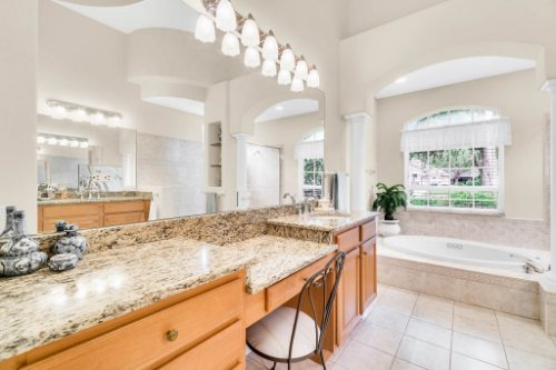 5284-Shoreline-Cir--Sanford--FL-32771----27---Master-Bathroom.jpg