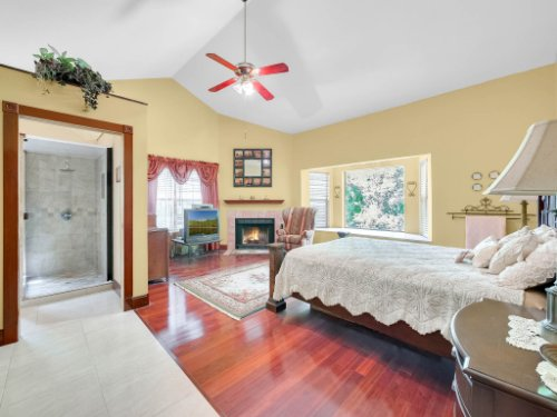 600-River-Oaks-Dr--Osteen--FL-32764----17---Master-Bedroom.jpg