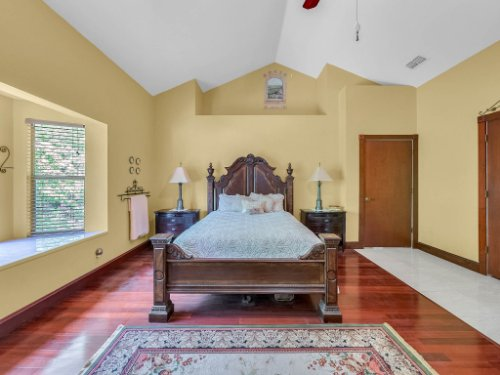 600-River-Oaks-Dr--Osteen--FL-32764----19---Master-Bedroom.jpg