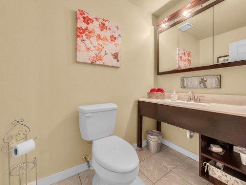 600-River-Oaks-Dr--Osteen--FL-32764----30---Bathroom.jpg
