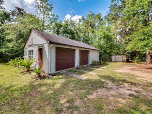600-River-Oaks-Dr--Osteen--FL-32764----31---Garage.jpg