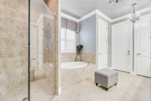 1241-Bella-Vista-Cir--Longwood--FL-32779----23---Master-Bathroom.jpg