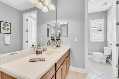1241-Bella-Vista-Cir--Longwood--FL-32779----26---Bathroom.jpg