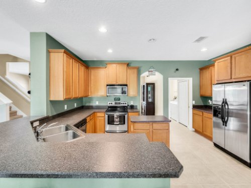 23539-Companero-Dr--Sorrento--FL-32776----14---Kitchen.jpg