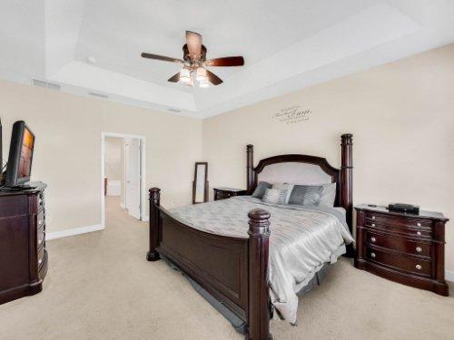 23539-Companero-Dr--Sorrento--FL-32776----21---Master-Bedroom.jpg