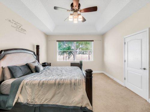 23539-Companero-Dr--Sorrento--FL-32776----22---Master-Bedroom.jpg