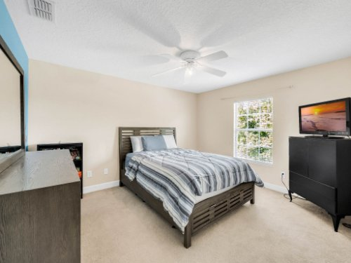 23539-Companero-Dr--Sorrento--FL-32776----25---Bedroom.jpg