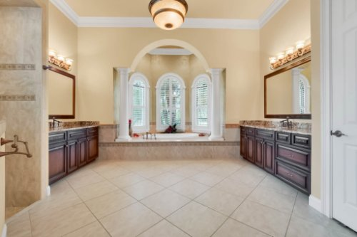 1957-Heritage-Estates-Dr--Lakeland--FL-33803----28---Master-Bathroom.jpg
