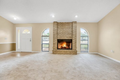 7034-Morning-Dove-Circle-Lakeland--FL-33809--02--Living-Room-1---1.jpg