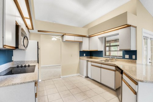 7034-Morning-Dove-Circle-Lakeland--FL-33809--08--Kitchen-1----2.jpg
