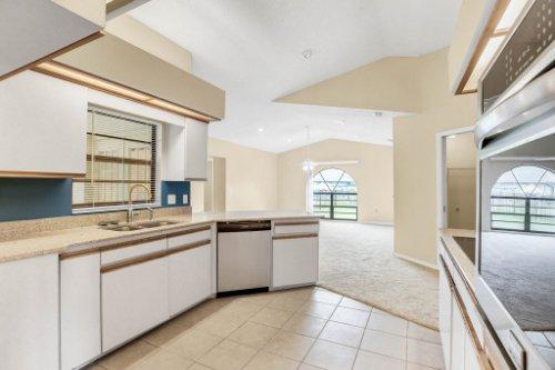 7034-Morning-Dove-Circle-Lakeland--FL-33809--09--Kitchen-1----3.jpg