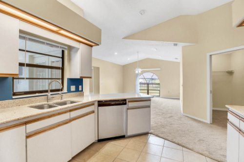 7034-Morning-Dove-Circle-Lakeland--FL-33809--10--Kitchen-1-----4.jpg
