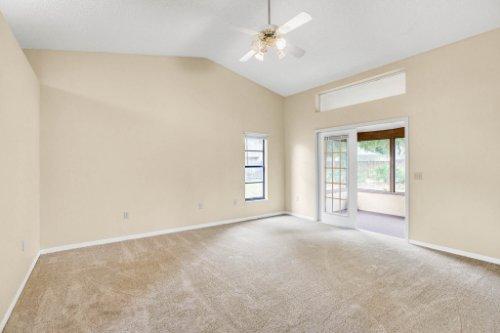 7034-Morning-Dove-Circle-Lakeland--FL-33809--11--Owner-s-Suite-1---1.jpg