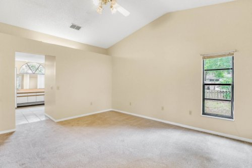 7034-Morning-Dove-Circle-Lakeland--FL-33809--14--Owner-s-Suite-1---3.jpg