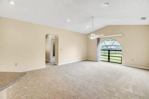 7034-Morning-Dove-Circle-Lakeland--FL-33809--18--Family-Room-1---1.jpg