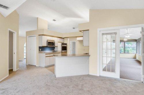 7034-Morning-Dove-Circle-Lakeland--FL-33809--20--Family-Room-1----3.jpg