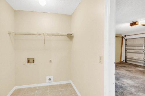7034-Morning-Dove-Circle-Lakeland--FL-33809--27--Laundry-Room.jpg