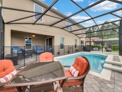 1056-Vinsetta-Cir--Winter-Garden--FL----05---Pool.jpg
