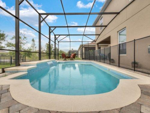 1056-Vinsetta-Cir--Winter-Garden--FL----06---Pool.jpg