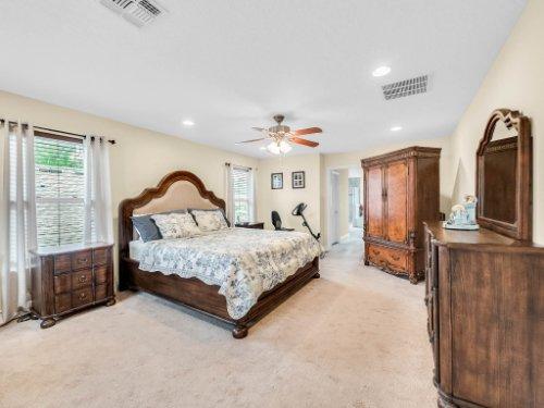 1056-Vinsetta-Cir--Winter-Garden--FL----26---Master-Bedroom.jpg