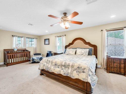 1056-Vinsetta-Cir--Winter-Garden--FL----27---Master-Bedroom.jpg