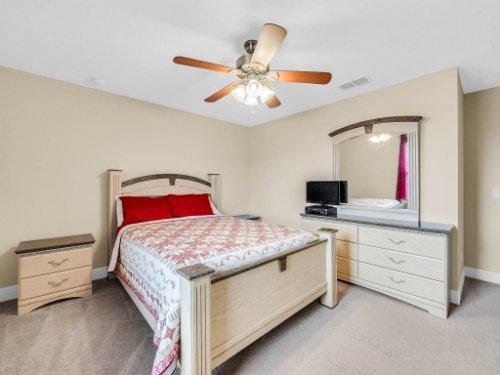 1056-Vinsetta-Cir--Winter-Garden--FL----31---Bedroom.jpg