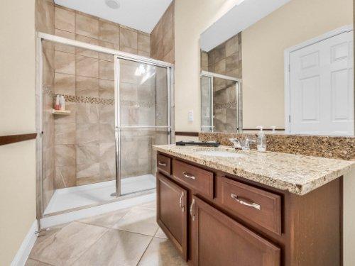 1056-Vinsetta-Cir--Winter-Garden--FL----38---Bathroom.jpg