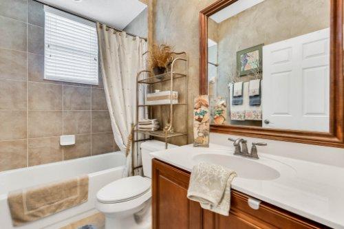 777-Grey-Heron-Pl--Chuluota--FL-32766----30---Bathroom.jpg
