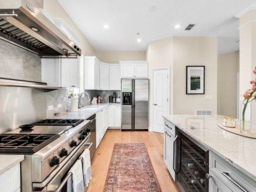 925-Hanley-Alley--Orlando--FL-32814----16---Kitchen.jpg