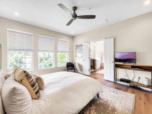 925-Hanley-Alley--Orlando--FL-32814----21---Master-Bedroom.jpg