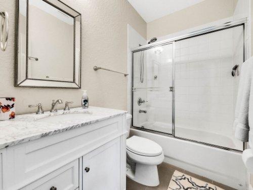 925-Hanley-Alley--Orlando--FL-32814----26---Bathroom.jpg